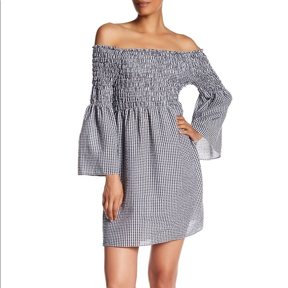 Max Studio Dresses & Skirts - Max Studio Bell Sleeve Gingham Dress